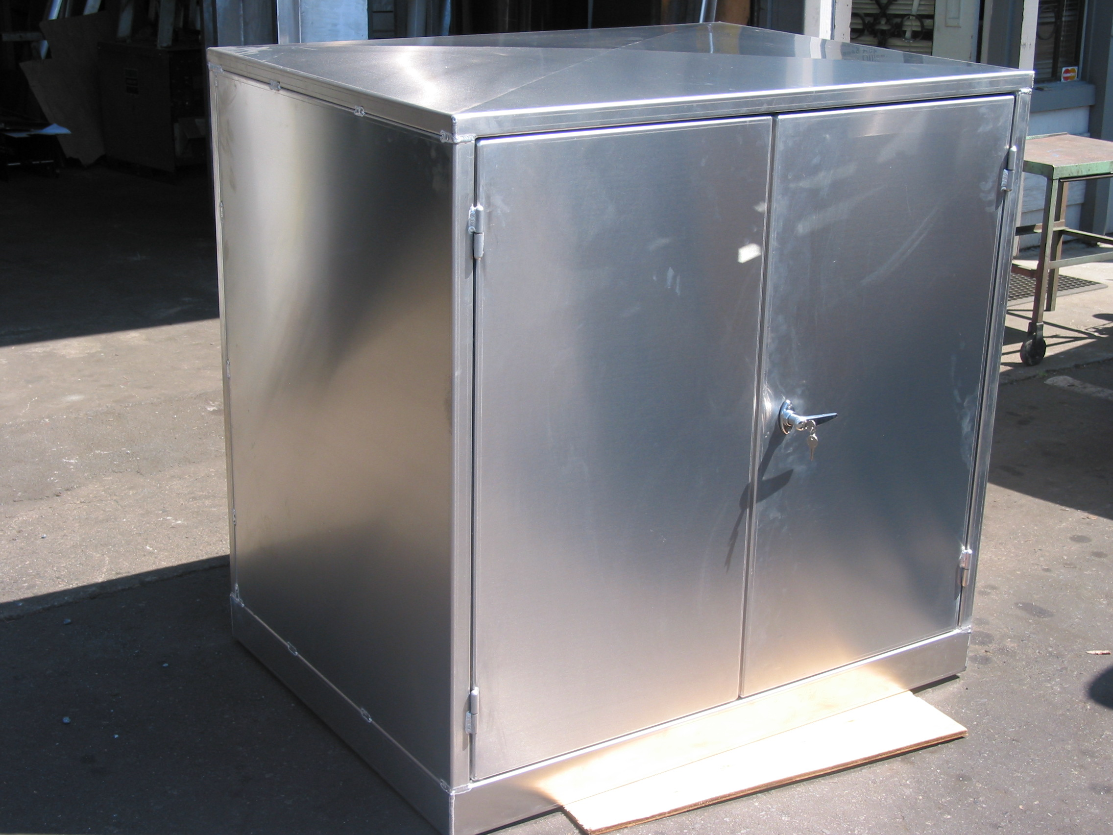 Custom Stainless And Aluminum Enclosures Cabinets